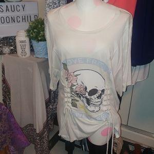 🆕express corset ivory skull 💀 t shirt